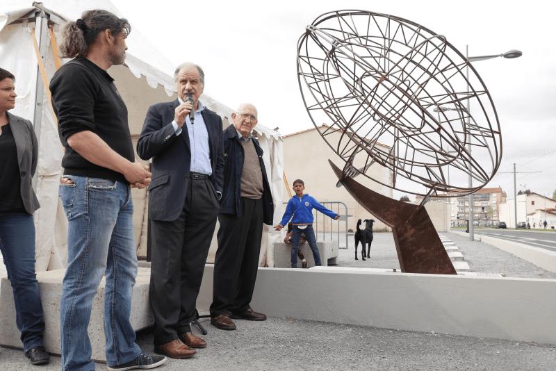 Inauguration de la sculpture Stade Moga